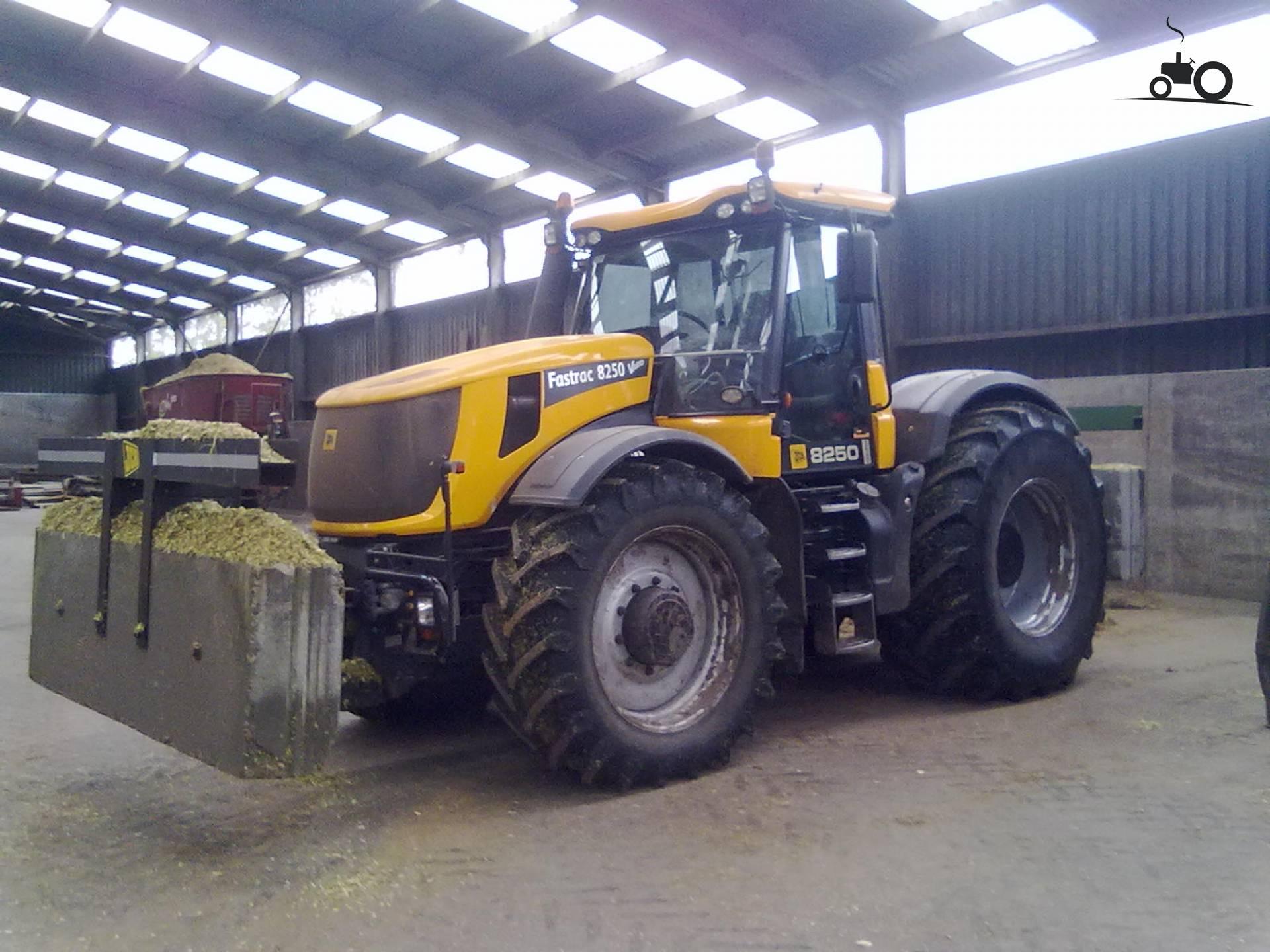 black fastrac Array - jcb fastrac 8250 farm tractor jcb fastrac farm  tractors jcb rh tractorhd mobi