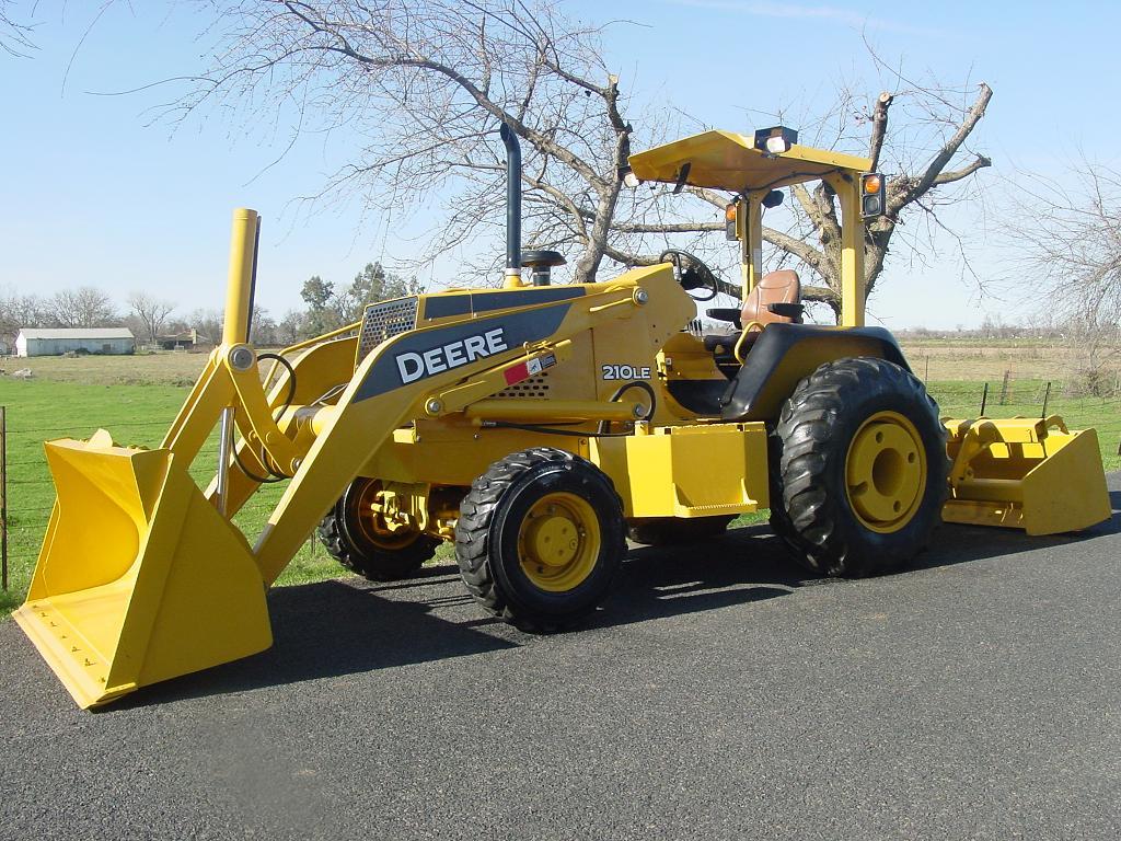 John Deere 210le Farm Tractor | John Deere Farm Tractors: John Deere on john deere 210c backhoe, john deere skip loader, jcb front end loaders, john deere 110 backhoe specs,