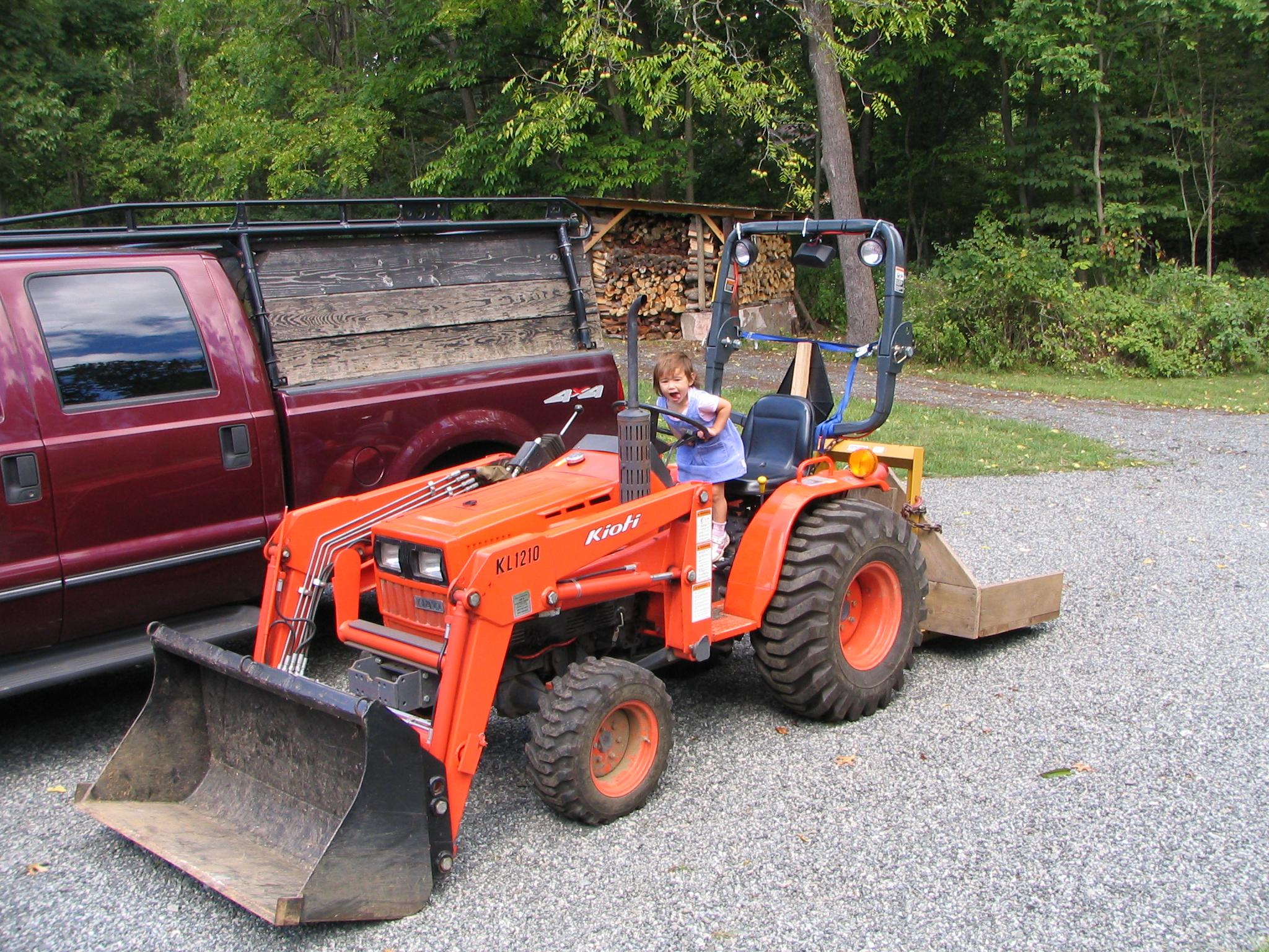 Kioti Lb1914 Farm Tractor   Kioti Farm Tractors: Kioti Farm