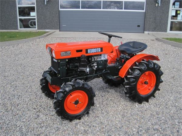 Kubota B7001 Farm Tractor   Kubota Farm Tractors: Kubota