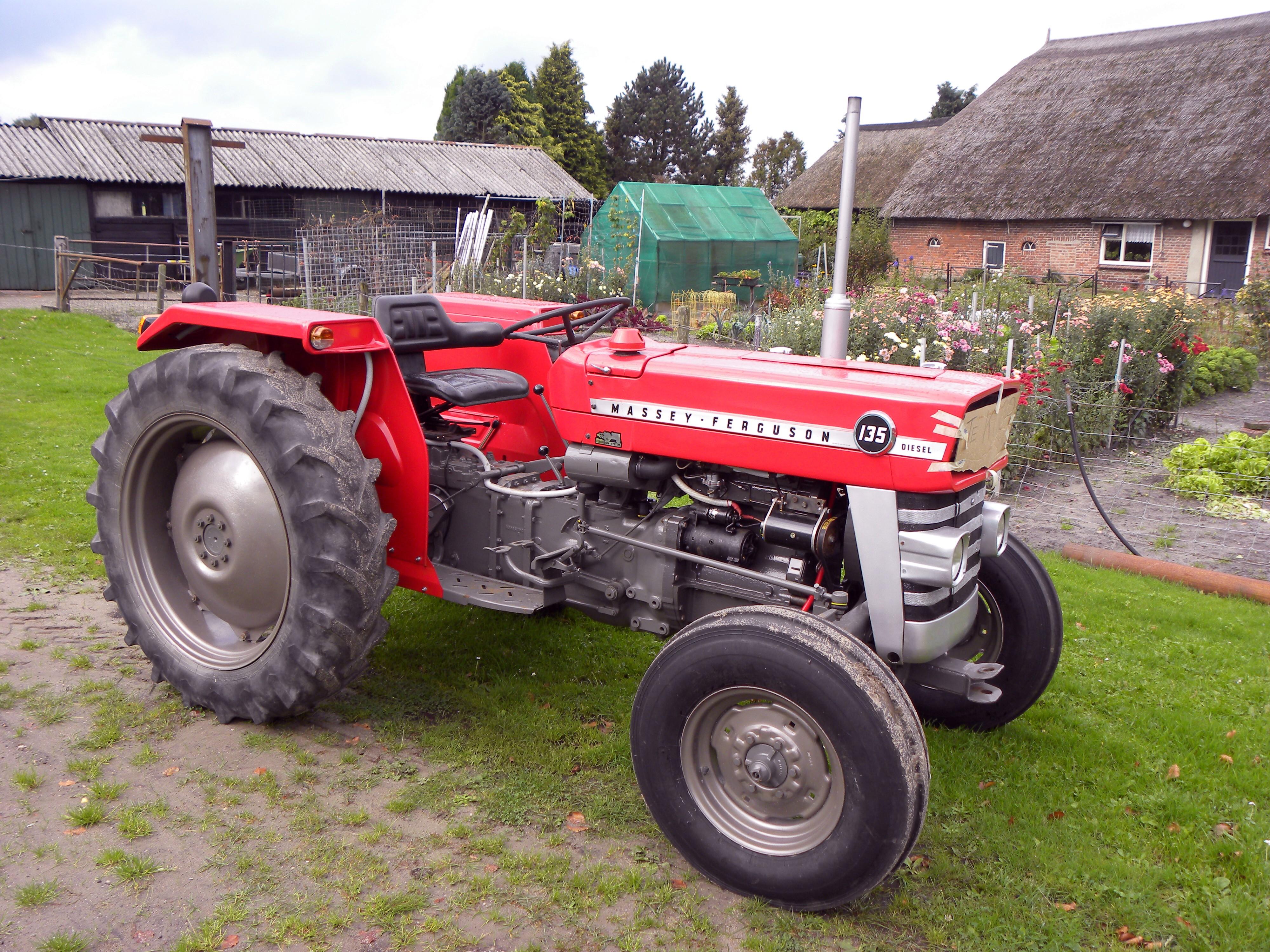 Massey Ferguson 142 Farm Tractor | Massey Ferguson Farm Tractors
