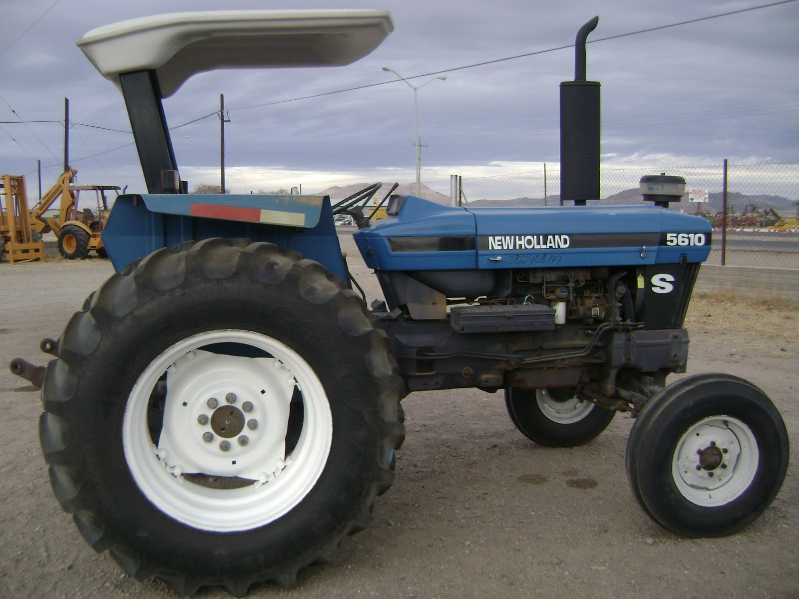 New Holland 5610 Farm Tractor | New Holland Farm Tractors: New ... on