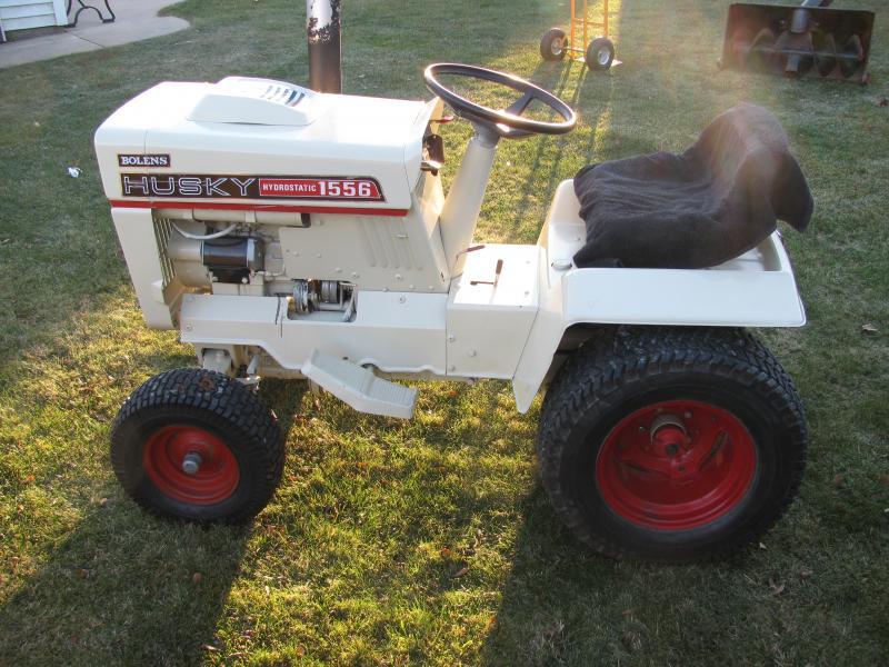 Bolens 1556 Lawn Tractor | Bolens Lawn Tractors: Bolens Lawn ... on scag schematics, john deere schematics, gravely schematics, cummins schematics, tecumseh schematics, kubota schematics, new holland schematics, toro schematics, bush hog schematics,