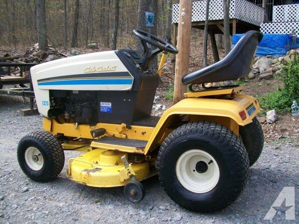 Cub Cadet 1325 Lawn Tractor   Cub Cadet Lawn Tractors: Cub