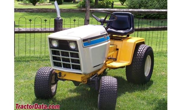 Cub Cadet 1572 Lawn Tractor   Cub Cadet Lawn Tractors: Cub