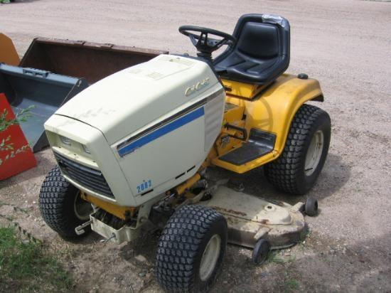 Cub Cadet 2082 Lawn Tractor | Cub Cadet Lawn Tractors: Cub