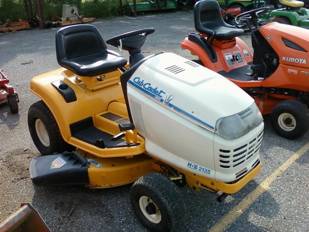 Cub Cadet 2135 Lawn Tractor | Cub Cadet Lawn Tractors: Cub
