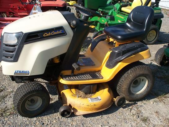 cub cadet ltx 1042 lawn tractor cub cadet lawn tractors cub cadet