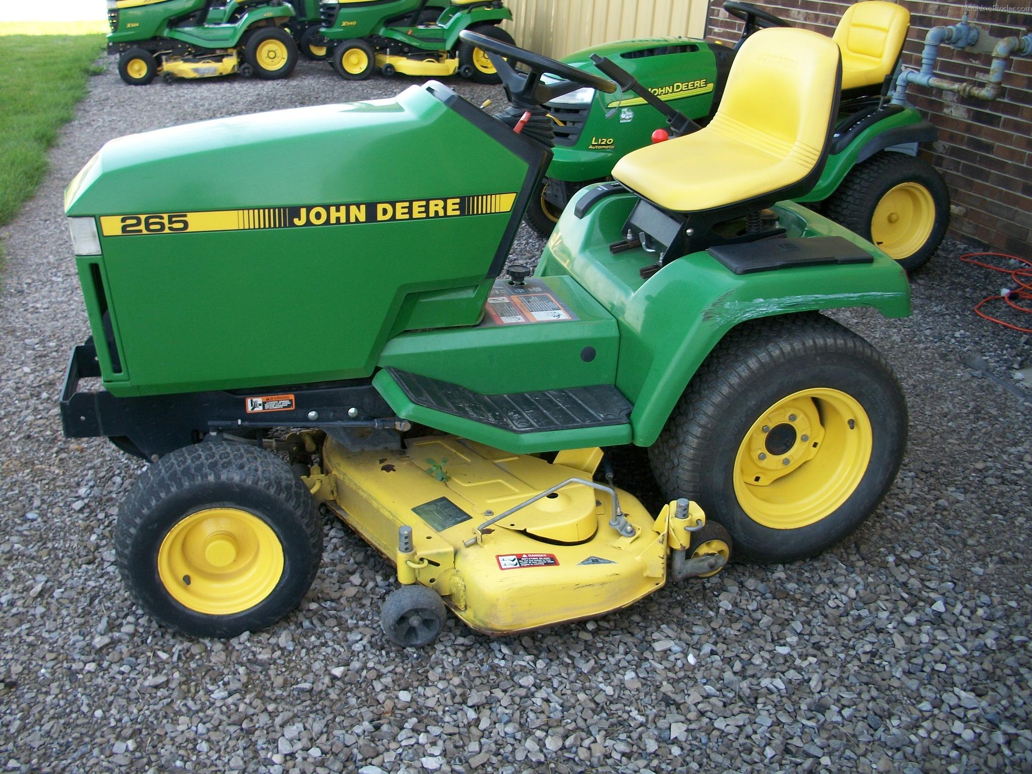John Deere 265 Lawn Tractor   John Deere Lawn Tractors: John Deere