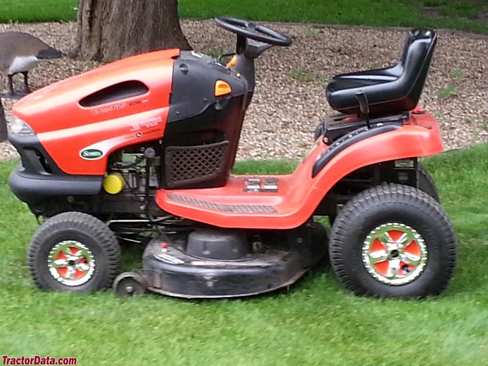 Scotts L1742 Lawn Tractor Scotts Lawn Tractors Scotts Lawn