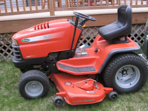 Scotts S2554 Lawn Tractor Tractors