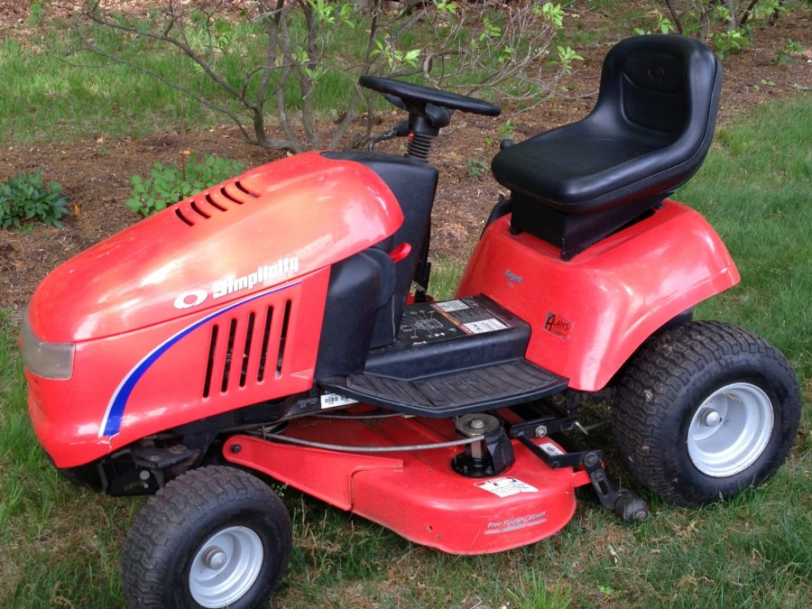 Simplicity Regent 18hv Lawn Tractor | Simplicity Lawn