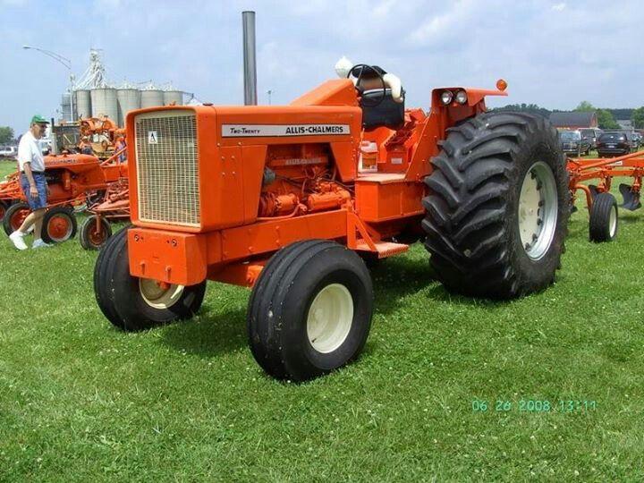 Allis Chalmers 210 Farm Tractor   Allis Chalmers Farm