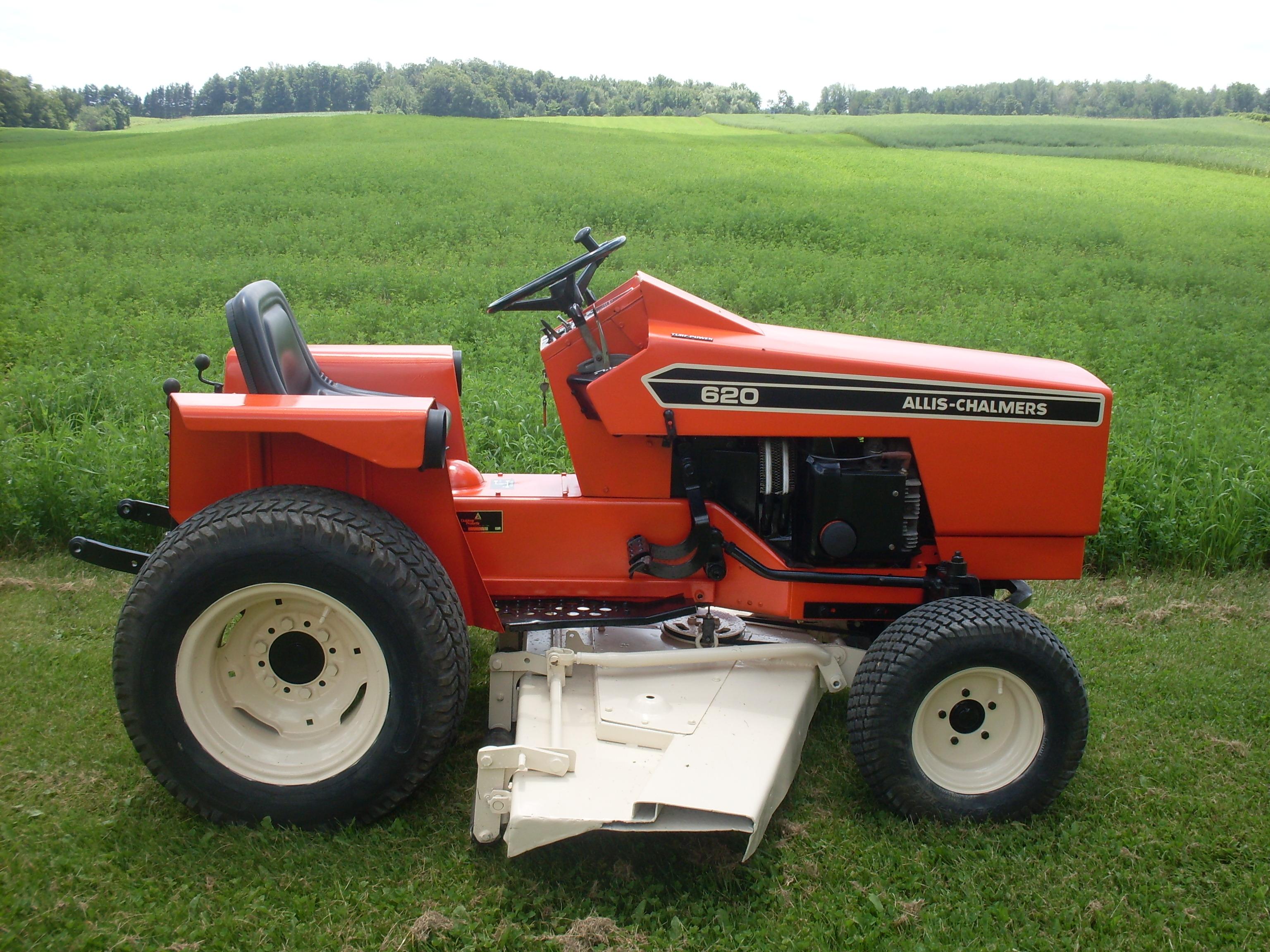 Allis Chalmers 620 Farm Tractor   Allis Chalmers Farm